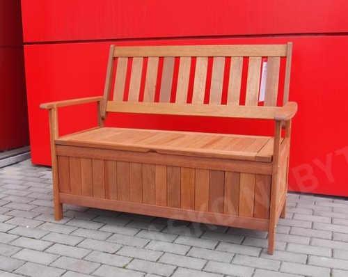 Dřevěná lavice s úložným prostorem na terasu