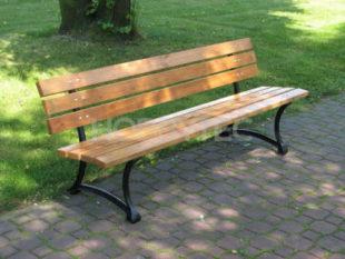 Zahradní lavička z lakovaného borovicového dřeva