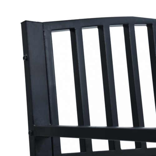 černá kovová lavice do exteriéru