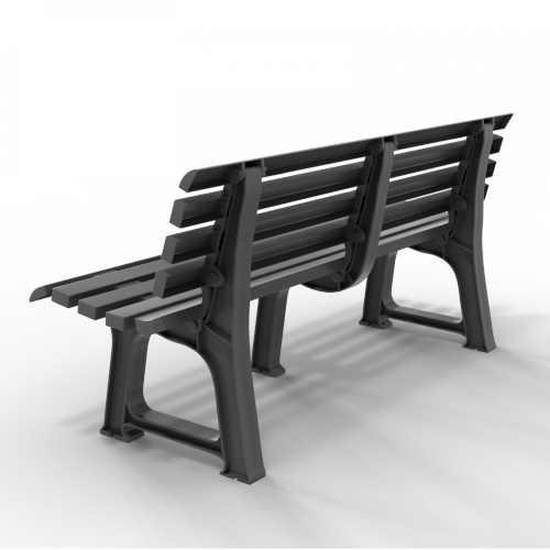 plastová lavička v jednoduchém designu
