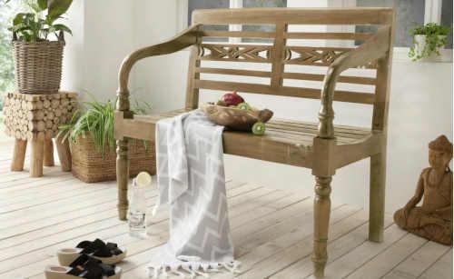 zahradní lavice ve stylu Provence
