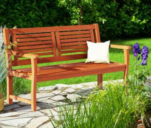 Dřevěná dvoumístná zahradní lavička