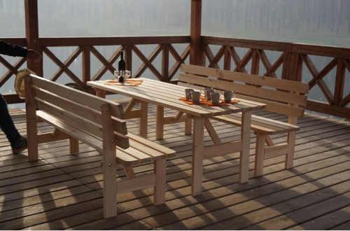 kvalitní bytelná lavice ze dřeva
