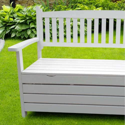 lavička s praktickým úložným místem