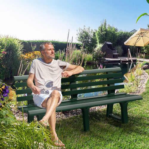 zelená plastová venkovní lavička